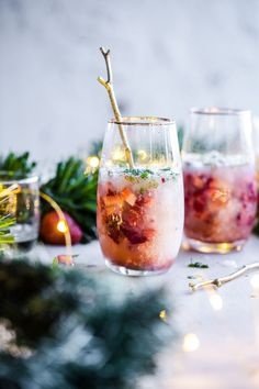 Aperitif for Christmas: 10 great cocktails and festive drinks with alcohol - - Aperitif Cocktails, Summer Cocktails, Popular Cocktails, Festive Cocktails, Christmas Gin, Christmas Cocktails, Summer Christmas, White Christmas, Winter Drink