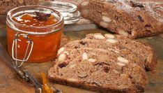 Bruno Oteiza explica cómo preparar una barra de pan integral con almendras, nueces, nueces de macadamia y arándanos secos.