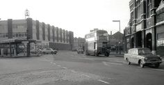 Beresford Square Woolwich 1971 London History, Local History, British History, Family History, Vintage Pictures, Old Pictures, Double Decker Bus, London Pictures, Vintage London