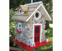 Fieldstone Guest Cottage Stone Birdhouse