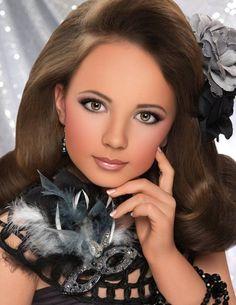 Rare Photos Including Eden Wood Mackenzie Miller Chloe