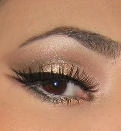 Love the subtle inner lining of the eye and the double outer winged liner. Chic! - hair-sublime.com