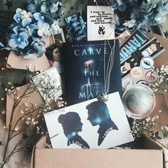 Gorgeous unboxing of our January SCI-FI box by @darkfaerietales_ . . Goblin King boxes listed NOW!!!