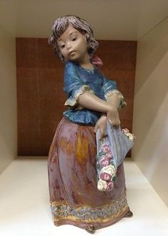 Vtg Lladro Girl Carrying Flowers Figurine Gres Retired No 01013507 VGCond NR