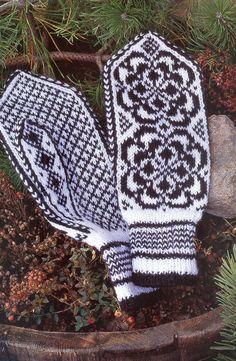 Norske Luer - Norske Votter — Yandex.Disk Mittens Pattern, Knit Mittens, Knitted Gloves, Knitting Socks, Knit Socks, Knitting Charts, Knitting Stitches, Knitting Patterns, Scandinavian Pattern