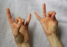 Mudras são gestos que nos permitem sintonizar com frequências específicas de energia do Universo. Segundo Yoga e Ayurveda, a saúde plena é o resultado dessa sintonia em que o ser individual, o microcosmo, sincroniza-se com o Universo, o macrocosmo. Essa sincronia é a base do equilíbrio e da cura. Assim, os Mudras são ferramentas poderosas …