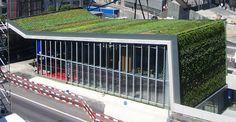 Vertical garden and green roof Green Architecture, Amazing Architecture, Vertical Green Wall, Living Roofs, Living Walls, Roof Plan, Garden Living, Public Garden, Design Competitions