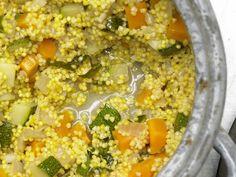 Gemüse-Hirse - mit Zucchini und Möhren - smarter - Kalorien: 305 Kcal - Zeit: 35 Min. | eatsmarter.de Vegetarisch, gesund und kalorienarm