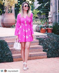 #Repost @nayradaelli with @repostapp.   I ᗷEᒪIEᐯE Iᑎ ᑭIᑎK  Iniciando nosso Outubro Rosa com vestido perfeito e super delicado . Anabela maravilhosa @tanarabrasil #BlogdaNay #lookoftheday #thinkpink