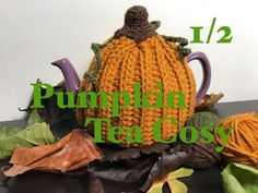 Knitting Patterns Poncho Ophelia Talks about a Pumpkin Tea Pot Cosy Knitting Projects, Crochet Projects, Crochet Tutorials, Crochet Ideas, Christmas Yarn, Christmas Knitting, Pumpkin Tea, Knitted Tea Cosies, Poncho Knitting Patterns