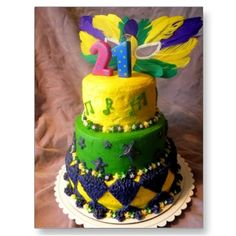 Beautiful Mardi Gras cake.