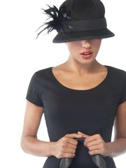 chic.. I just love hats  it finishes an outfit