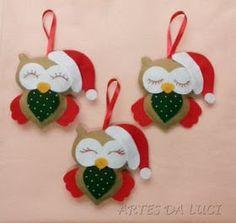 ideas for felt christmas decorations Christmas Makes, Christmas Art, Handmade Christmas, Christmas Ideas, Felt Christmas Decorations, Felt Christmas Ornaments, Diy Ornaments, Beaded Ornaments, Felt Crafts