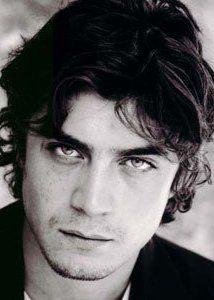 yum....italian style. Riccardo Scamarcio.