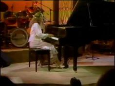 Carole King - One to One - 1981 Directors Cut Carole King - vocals, piano Mark Hallman - guitar, harmonica, background vocals Reese Wynans - keyboards Danny . Rock N Roll Music, Rock And Roll, Easy Listening Music, Carole King, Pro Choice, A Star Is Born, Pro Life, Me Me Me Song, Acoustic