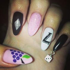 New Trend: Pierced Nails 2014 Nail Art 2014, Nails 2014, Crazy Nail Art, Crazy Nails, Us Nails, Hair And Nails, Nail Piercing, Piercings, Nail Art Galleries