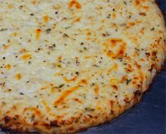 Cauliflower Pizza Crust Recipe, hmm I wonder how good the cauliflower crust would tastee Bariatric Recipes, Low Carb Recipes, Paleo Recipes, Cooking Recipes, Pizza Recipes, Comidas Light, Sem Gluten Sem Lactose, Great Recipes, Health Foods