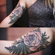 Este incrivel rose tattoo http://tatuagens247.blogspot.com/2016/11/50-magnifica-rosa-tatuagens.html