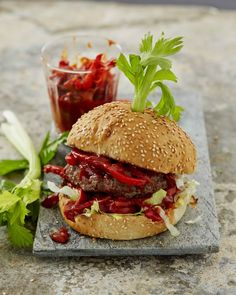 BLOODY MARY BURGER By Jan Braai Millions of people around the world enjoy the combination of ingredients that makes up the Bloody Mary cocktail. Braai Recipes, Burger Recipes, Snack Recipes, Snacks, South African Recipes, Ethnic Recipes, Man Food, Bloody Mary, Food To Make