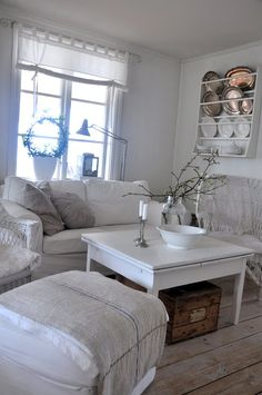 The White Porch: dining room