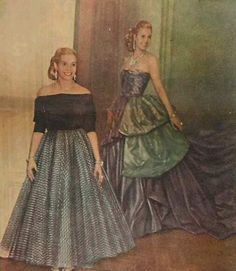 EVITA in front of Her own image Cult Of Personality, Cool Blonde, Historical Clothing, Queen, Ball Gowns, Vintage Outfits, Beautiful Women, Costumes, Female
