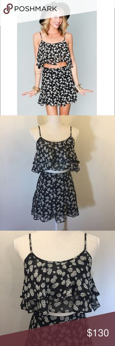 """Show Me Your MuMu Dilly Daisy Skater Skirt & Top Show Me Your MuMu Dilly Daisy Skater Skirt & Lil Miss Crop Top Set Size Small Both 100% Polyester  Skirt is Lined. Approximate: 13"""" Waist, 26"""" Length  Crop Top is Not Lined. Semi-sheer. Approximate: 19"""" Pit to Pit, 6"""" Length NWT - never been worn  Selling as a set only. Throw some daisies in your hair & you're ready to rock all festivals! Show Me Your MuMu Skirts Mini"""