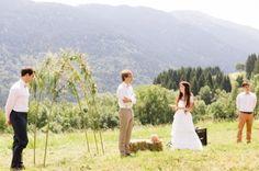 Caroline Marie Photography - A Peasant wedding Chambery - La married barefoot