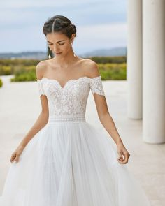 Dream Wedding Dresses Simple Rosa Clar Wedding Dresses from the Stunning 2020 Couture Collection - MODwedding.Dream Wedding Dresses Simple Rosa Clar Wedding Dresses from the Stunning 2020 Couture Collection - MODwedding Rosa Clara Wedding Dresses, Wedding Dresses With Straps, Country Wedding Dresses, Black Wedding Dresses, Wedding Dresses Plus Size, Princess Wedding Dresses, Bridal Dresses, Wedding Gowns, Wedding Dress With Pearls