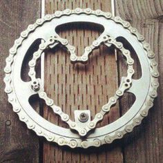 Heart shaped chain ring bicycle art - more great mountain biking art, photos and…