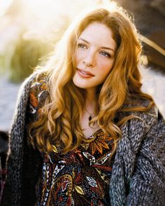 The  Hottest Photos Of Beautiful Redhead Rachelle Lefevre