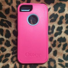 iPhone 5/s neon rose pink Otterbox case Brand new, authentic Otterbox case! I received as a gift but upgraded to the 6+ so no use for this. It's in perfect condition. Comes in original box with paperwork and belt clip. OtterBox Accessories Phone Cases