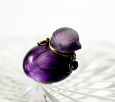 A chick amethyst pendant Amethyst Pendant, Gemstone Rings, Gemstones, Jewelry, Jewellery Making, Gems, Jewelery, Jewel