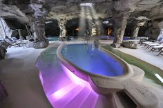 Piscina in grotta al @Tombolo Talasso - #Toscana, #Italy