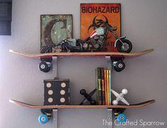 DIY Skateboard Shelves - If my little boy grows into a skateboarding hooligan someday :) (Cool Crafts Thoughts) Diy Room Decor For Teens, Kids Decor, Skateboard Shelves, Boys Skateboard Room, Kids Skateboards, Skateboard Parts, Chambre Indie, Kids Room Shelves, Bookshelves Kids