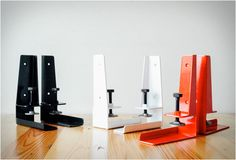 The same guys behind the popular Floyd Leg have now presented the Floyd Shelf. The principle is very similar, turn any plank of wood laying around at home or at the office, and turn it into a useful shelf. Simply securely mount the brackets to the wa