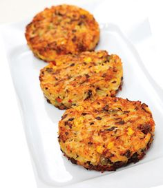 VEGGIE MUSHROOM BURGER: 1/4 onion, diced 1/4 clove garlic, minced 1/2 tbsp olive oil 3/4 green onion, diced 1 pinch cumin 2 tbsp fresh mushrooms, diced 1/2 cup pinto beans 1 pinch parsley salt and pepper to taste oil for frying