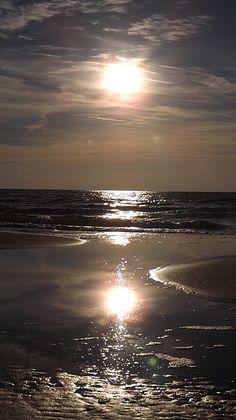 Amazing Sunsets, Amazing Nature, Beautiful Moon, Beautiful World, Nature Pictures, Beautiful Pictures, Wild Nature, Nocturne, Nature Wallpaper