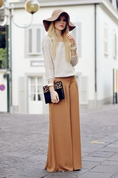 Wardrobe Cat: How to wear a loose trousers?