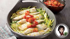 Try this oven-baked sole with leeks and green oil & tomato salsa recipe from Josée di Stasio Tomato Salsa Recipe, Fish Dishes, Oven Baked, Fish And Seafood, Eating Habits, Cherry Tomatoes, Fresh Rolls, Four, Healthy Recipes