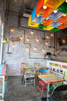 Inexpensive Home Decorating Ideas Coffee Shop Interior Design, Coffee Shop Design, Bar Interior, Restaurant Interior Design, Cafe Design, Store Design, Interior Modern, Mexican Restaurant Design, Deco Restaurant