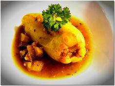 Töltött paprika másképp Thai Red Curry, Ethnic Recipes, Food, Essen, Yemek, Eten, Meals