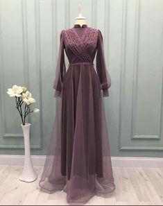 Dress Muslim Modern, Muslim Dress, Dress Brokat Modern, Hijab Evening Dress, Hijab Dress Party, Muslim Evening Dresses, Beautiful Prom Dresses, Simple Dresses, Dress Pesta