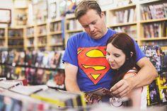 Casamento Nerd: Amy Ratcliffe e Thom Zahler e-session na Geek House Comics Stores