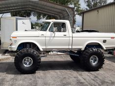 Big Chevy Trucks, Ford Pickup Trucks, Lifted Trucks, Classic Ford Trucks, Classic Cars, Best 4x4, Ford 4x4, Ford Super Duty, Offroad