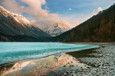 Lake Kucherla at the foot of Mount Belukha. (via Fotopedia)