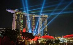 Singapore city break guide. Tips on cruises, public transport, local laws and useful information.