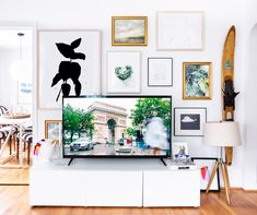 Jaw-Dropping: This Completely Transformed Her Rental on a Budget, Tv wall decor, Home Room Design, Dream Home Design, Home Interior Design, House Design, Room Ideas Bedroom, Bedroom Decor, Home Living Room, Living Room Decor, Apartment Living