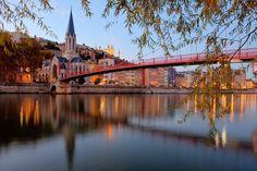 Visiter Lyon - Découverte de la ville des lumières: Les ponts de la Saône à vélo
