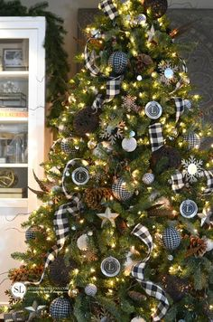 Black and White Plaid Christmas Tree #michaelsmakers