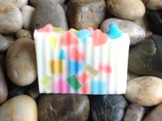 Halo Hemp Soap Island Fruit Hearts are infused with Hempseed Oil, Coconut, Grapeseed, and Almond Oils, Shea Butter, Vitamin E, and Glycerin to quench your skin.  This product also provides many healing properties Holds moisture in skin to protect against our daily exposure to our elements. Provides a natural sunscreen. Essential oil Fragrance is Island Fruit  - See more at: http://www.hempangelproducts.com/collections/featured-products/products/lime-loop-mens#sthash.xL0RJ4u3.dpuf